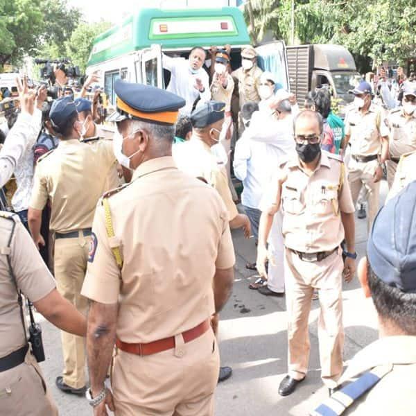 भारी संख्या में तैनात किया गया पुलिसबल