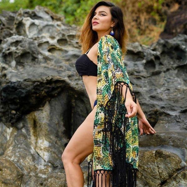 Stunning Aashka