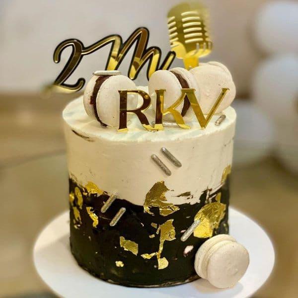 केक देख मुंह में आ जाएगा पानी