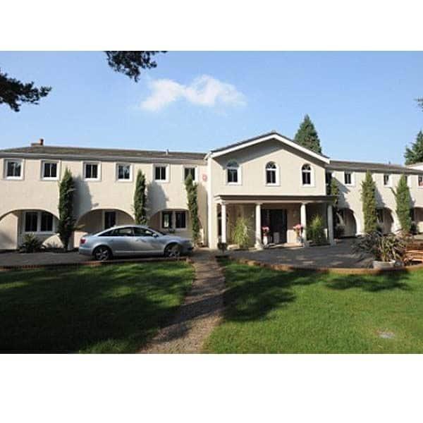 लंदन में राज कुंद्रा (Raj Kundra) ने शिल्पा शेट्टी के नाम पर खरीदा घर