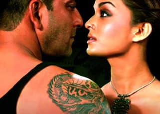 Did you know Sanjay Dutt was blown away by Aishwarya Rai's beauty and didn't want her to enter Bollywood? Here's why