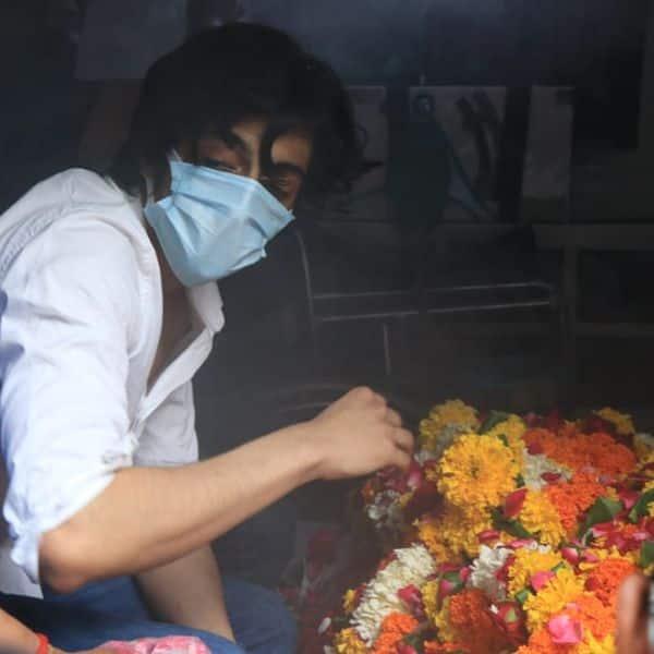 कजिन अहान पांडे ने अंतिम यात्रा में दिया साथ