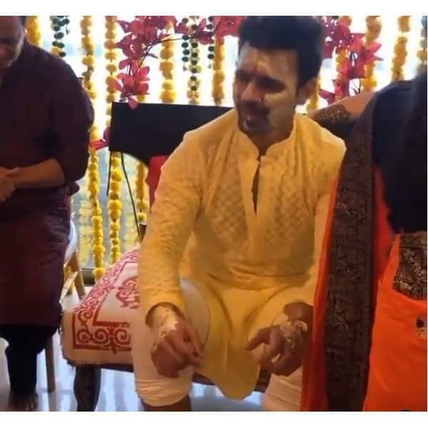 डीडीएलजे के गानों पर झूमते दिखे राहुल वैद्य (Rahul Vaidya)