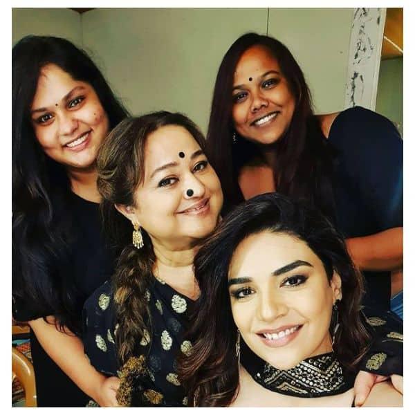 सुप्रिया शुक्ला (Supriya Shukla) ने शेयर की तस्वीरें