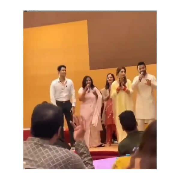 राहुल वैद्य (Rahul Vaidya) ने मां के साथ गाया गाना