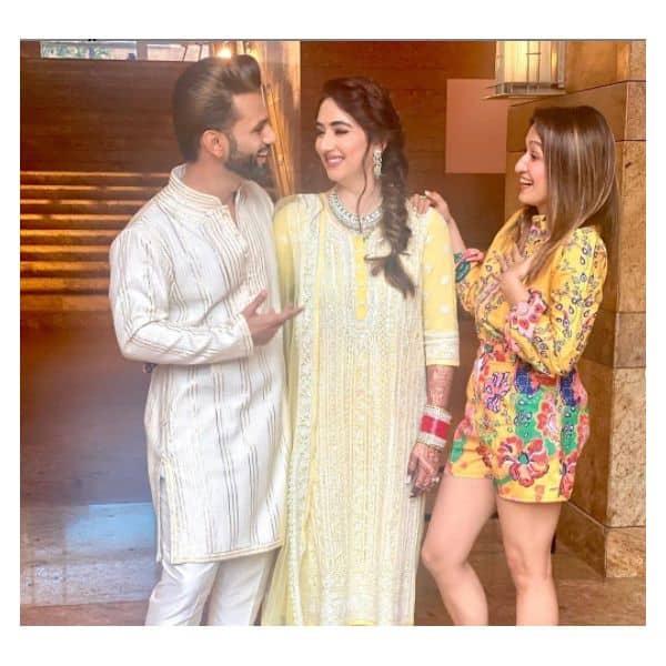 शेफाली बग्गा (Shefali Bagga) के साथ मस्ती करते दिखे राहुल वैद्य (Rahul Vaidya) और दिशा परमार (Disha Parmar)