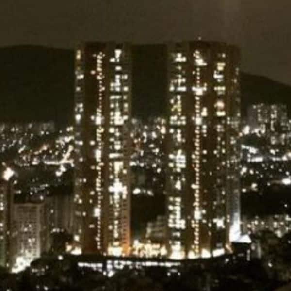 मुंबई में है आलीशान मकान