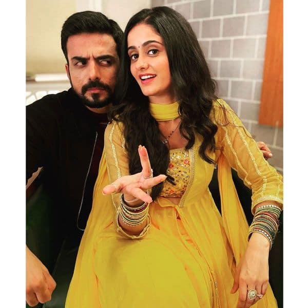 अमिताभ बच्चन की नकल उतारने लगी सई (Ayesha Singh)