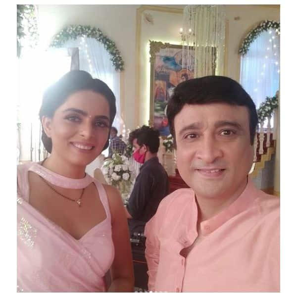 शर्लिन (Ruhi Chaturvedi) के चेहरे पर भी आई मुस्कान