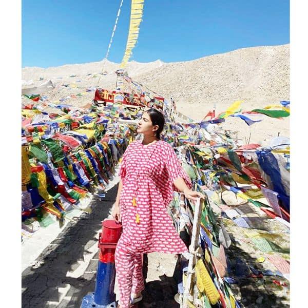 लद्दाख की खूबसूरती में गुम हैं सारा अली खान