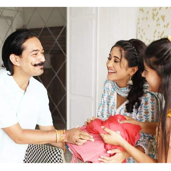 शिवांगी जोशी और उनकी छोटी बहन को मिले कई तोहफे