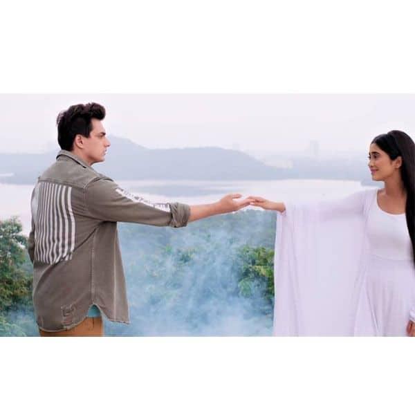 नायरा (Shivangi Joshi) ने कार्तिक (Mohsin Khan) को कहा आखिरी अलविदा