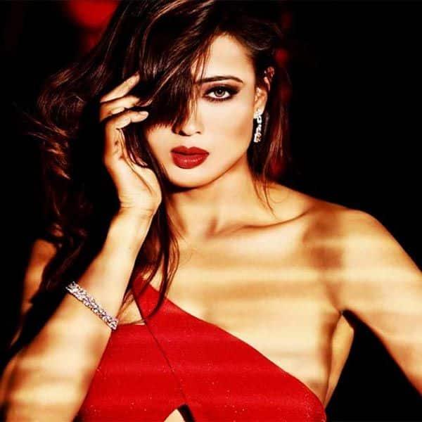 Shweta Tiwari's RED HOT avatar
