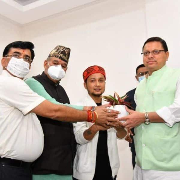 Pawandeep Rajan honoured by CM Dhami