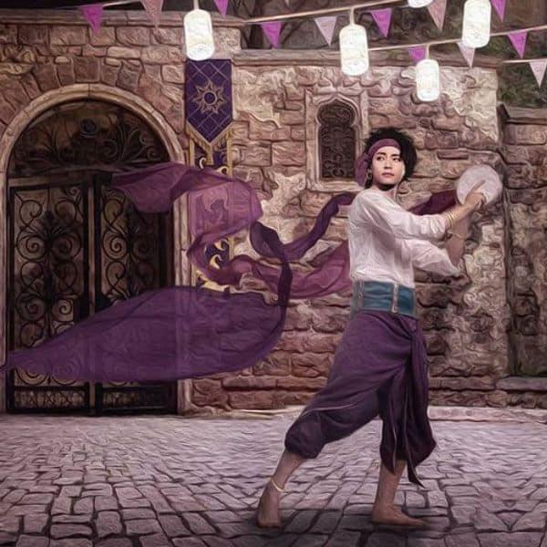 V as Esmeralda