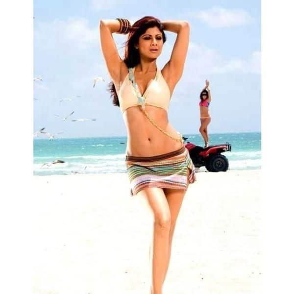 When Shilpa Shetty grabbed eyeballs with her toned figure