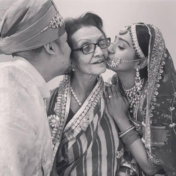 परिवार की हर खुशी को ऐसे सेलीब्रेट करती हैं मोहिना कुमारी सिंह (Mohena Kumari Singh)