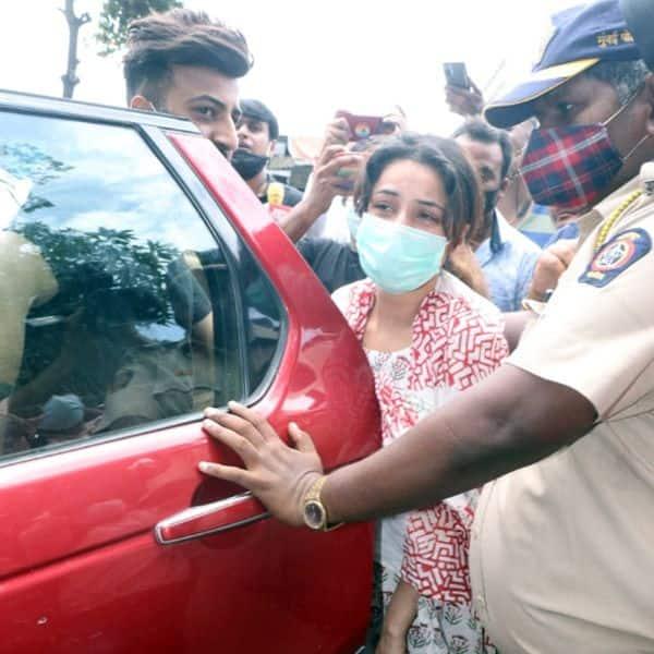पीला पड़ चुका है शहनाज गिल (Shehnaaz Gill) का चेहरा