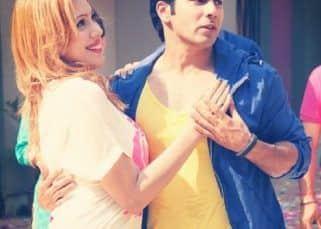 Taarak Mehta Ka Ooltah Chashmah: When Munmun Dutta aka Babita posed for a romantic picture with Varun Dhawan and said 'the actor can make women go weak'