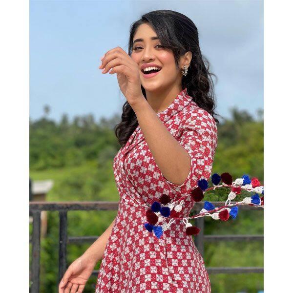 शिवांगी जोशी (Shivangi Joshi)