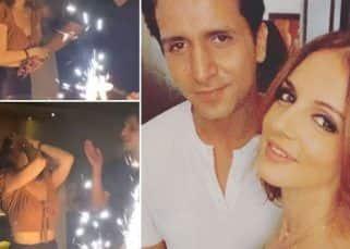बर्थडे पार्टी में Sussanne Khan के बेहद करीब दिखे और रयूमर्ड बॉयफ्रेंड Arslan Goni, Photos ने मचाया इंटरनेट पर तहलका