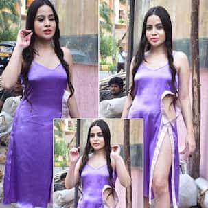 Urfi Javed ने हाई थाई स्लिट ड्रेस में फ्लॉन्ट किए सेक्सी लेग्स, अदाएं देख फैंस बोले- 'हाय गर्मी'