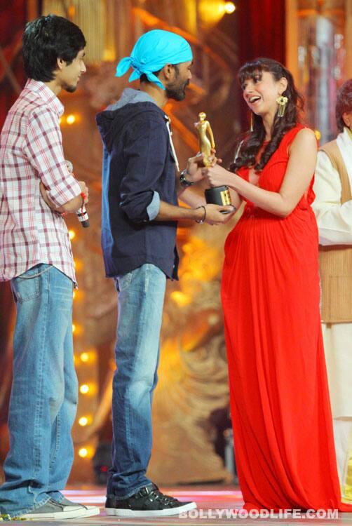 Saif Ali Khan, Rekha, Dia Mirza, Dhanush, Aditi Rao at Radio Mirchi Music Awards