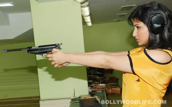 Parineeti Chopra spotted having fun at a rifle shooting session