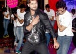Shahid Kapoor and with Shraddha Kapoor promote Haider at a mall  – View pics!