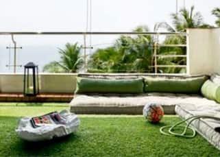 Sneak-peek into superstar Hrithik Roshan's beautiful house!