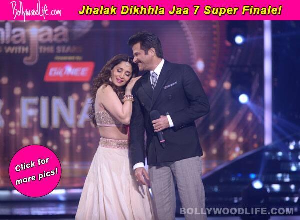 Jhalak Dikhhla Jaa 7 Super Finale: Anil Kapoor gets romantic with Madhuri Dixiti-Nene – View pics!