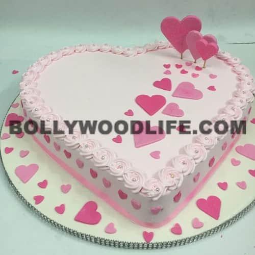 Cake Images Karan : EXCLUSIVE pics of Bipasha Basu and Karan Singh Grover s ...