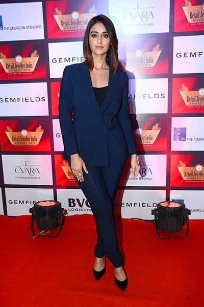 Ileana D'Cruz snapped at Gemfields Retail Jeweller India Awards 2016
