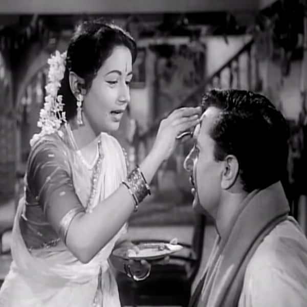 'Bhaiya Mere Rakhi Ke Bandhan' song from 'Choti Behen'
