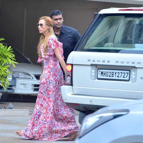 Iulia Vantur clicked outside Arpita Khan's residence