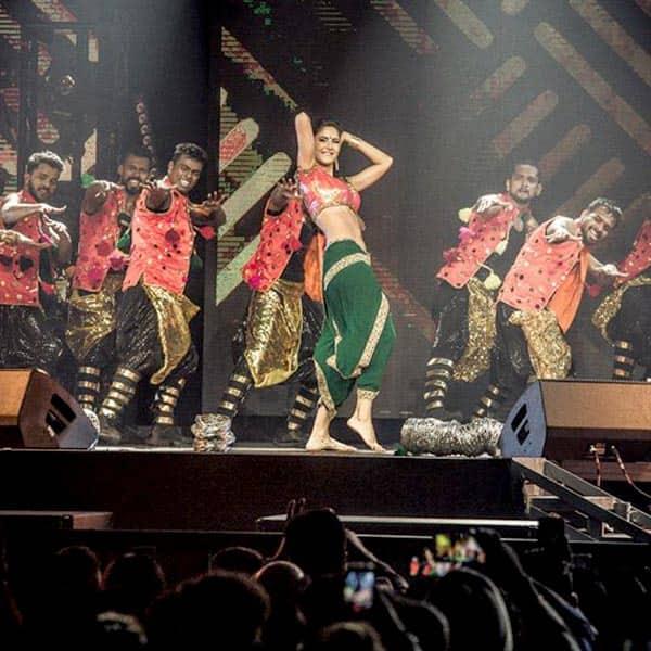 Katrina Kaif performing on 'Chikni Chameli' in Chicago