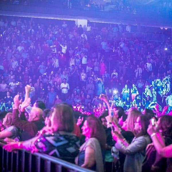 Fans attending Dream Team tour in New Jersey