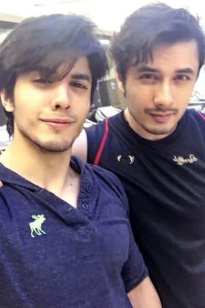 Danyal Zafar's selfie with brother Ali Zafar