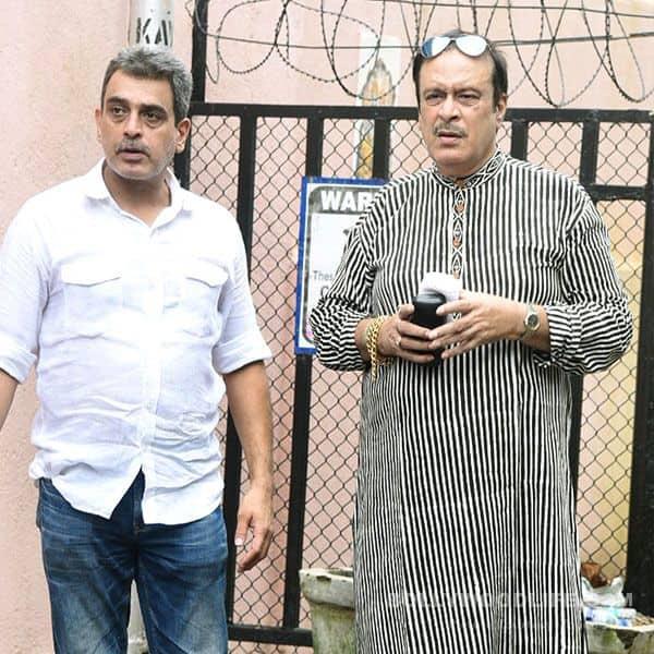 Deepak Parashar pays his last respects