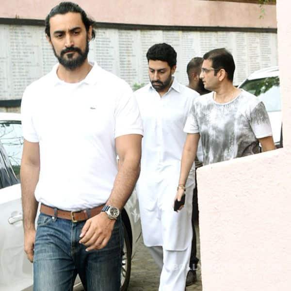 Kunal Kapoor pays homage