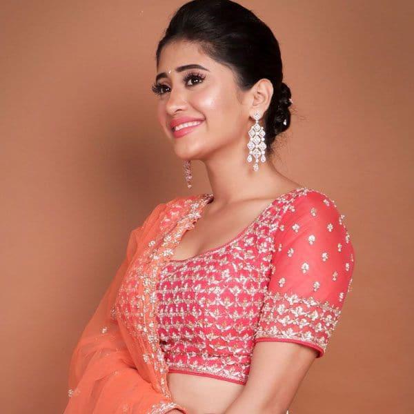 Gorgeous Shivangi