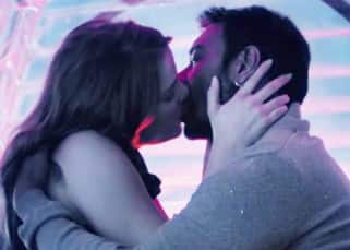5 steamy stills from Ajay Devgn and Erika Kaar's 'Darkhaast' that are breathtakingly sexy