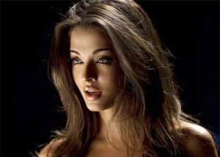 Aishwarya Rai Bachchan Hot & Sexy Photos