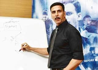 Akshay Kumar turns teacher for Taapsee Pannu and the entire team of Naam Shabana