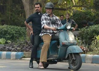 Amitabh Bahchan and Nawazuddin Siddiqui ride scooter during 'Te3n' movie shoot