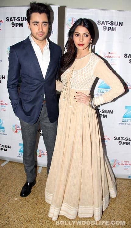 Anushka Sharma and Imran Khan promote 'Matru Ki Bijlee Ka Mandola' on the sets of Sa Re Ga Ma