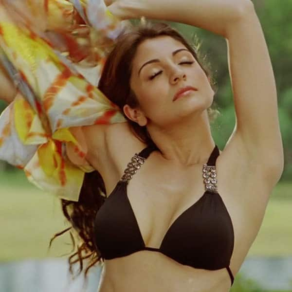 Anuska sharma sexy photos