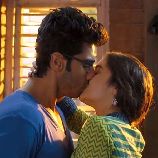 Arjun Kapoor Kissing Alia Bhatt In 2 States Arjun Kapoor Is The