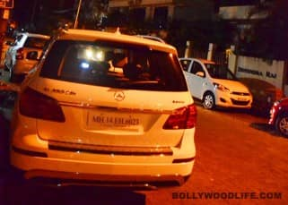 Atiya Shetty and Arjun Kapoor inside car