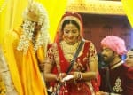 Bigg Boss, 18th January 2017, Episode 95, Sneak Peek: Mona and Vikrant exchange vows in an extravagant ceremony inside the Bigg Boss house